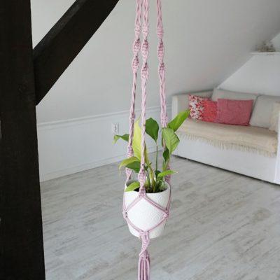 liliowy kwietnik ze sznurka